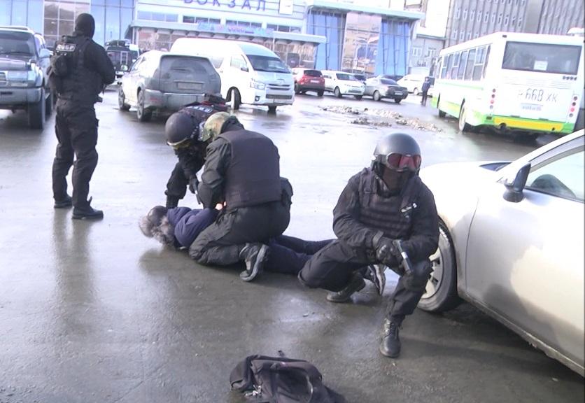 Задержание лица, причастного к совершению условного преступления террористического характера