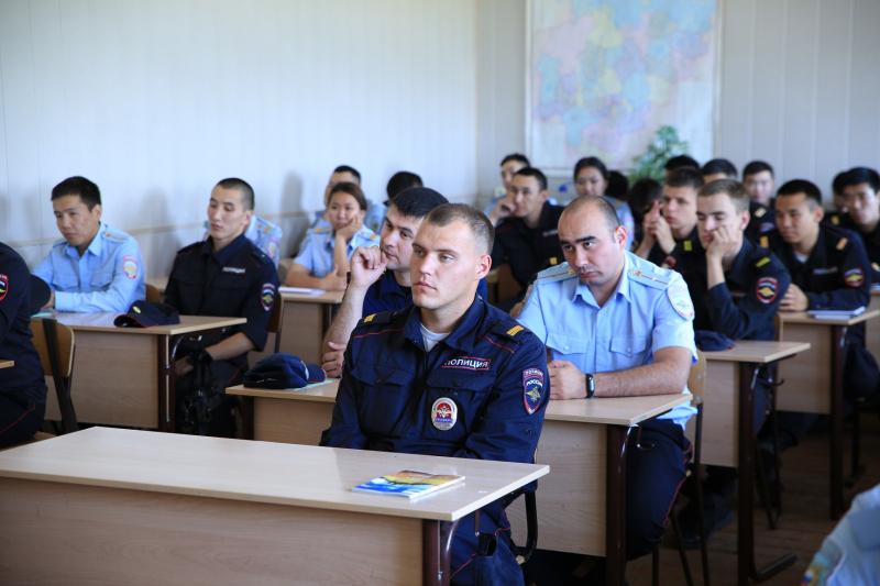 Общественники Якутии и слушатели Центра профессиональной подготовки обсудили вопросы профилактики экстремизма и терроризма