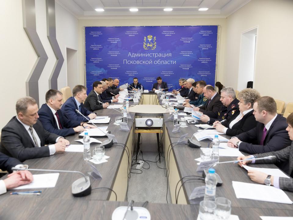 Врио Губернатора провел совместное заседание антитеррористической комиссии и оперативного штаба в Псковской области